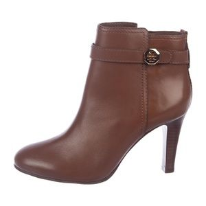 NEW! Gorgeous Tory Burch Brita Leather Booties